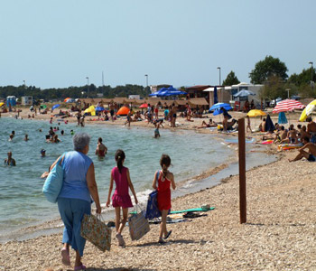 beach in Brodarica with beach bars